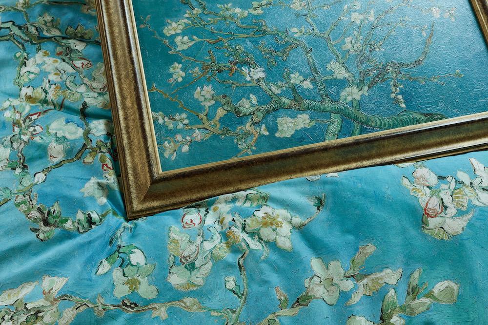 Slapen onder een schilderij van Vincent van Gogh