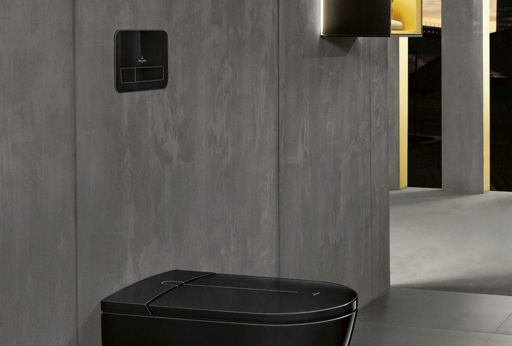 De eerste douche-wc in zwart