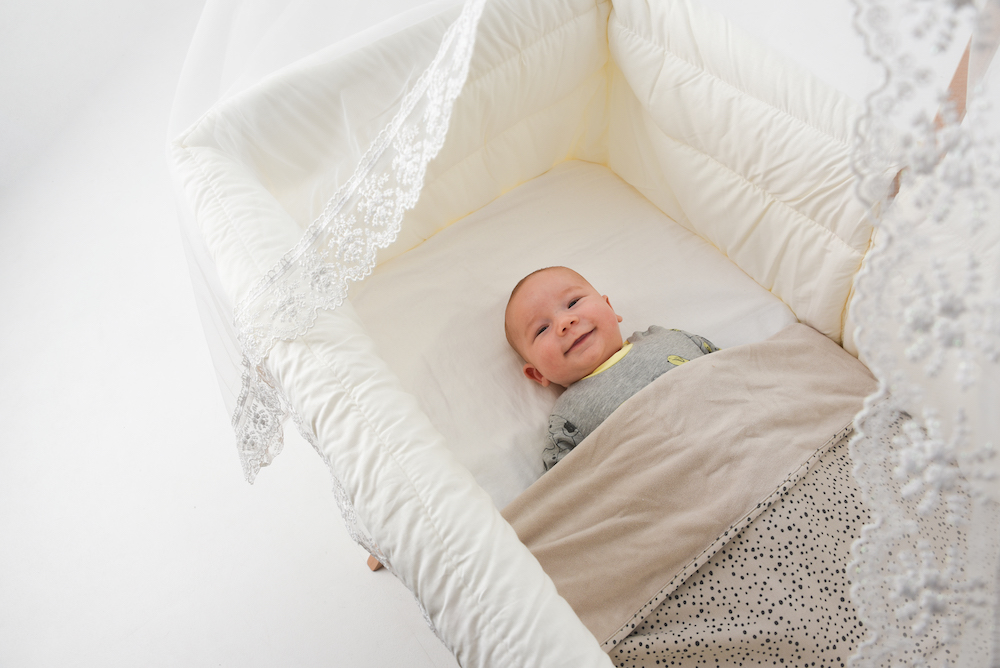 Elegant babybed met wiegfunctie!